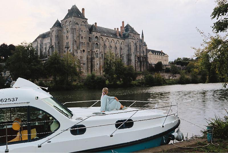 La experiencia de navegar un barco tu mismo en el Sarthe