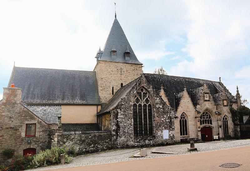 Colegiata de Notre Dame-de-la-Tronchaye - Qué visitar en Rochefort-en-Terre