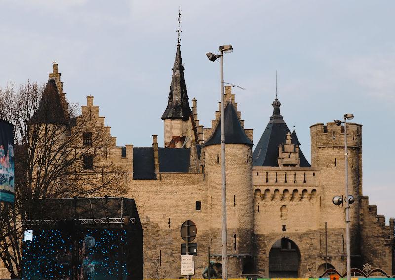 El castillo Steen junto al río Escalda
