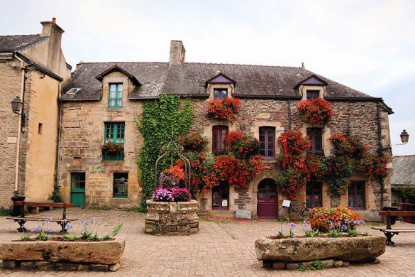 Place du Puits en Rochefort, el pueblo de las flores