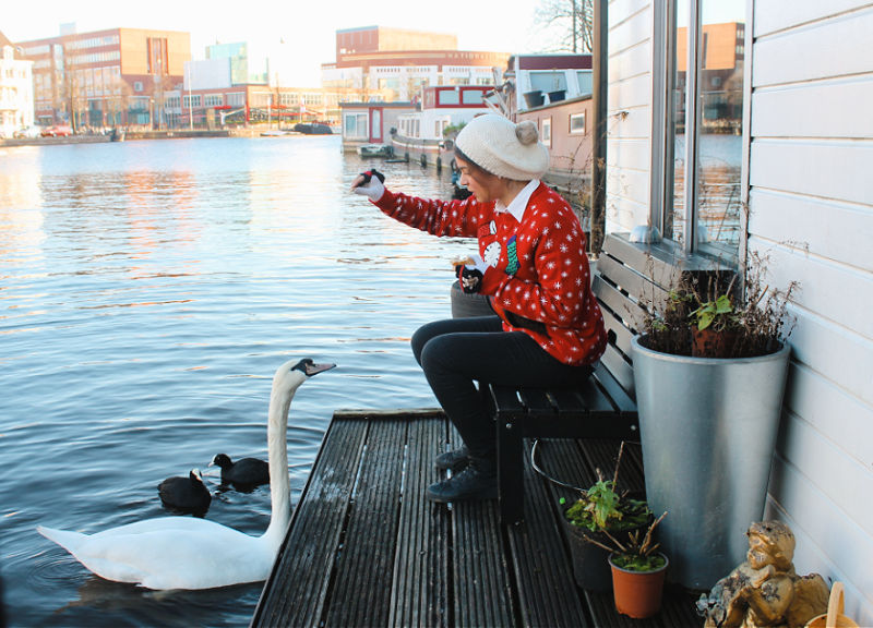 Alojarse en una casa flotante en Ámsterdam
