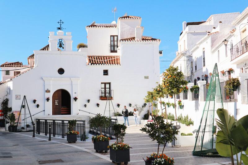 La Plaza de los Siete Caños - Qué ver en Mijas