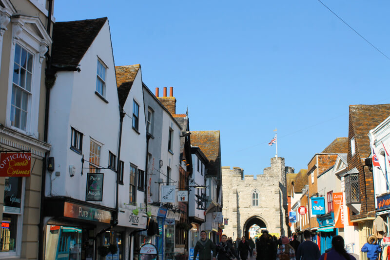La animada St Peter's Street