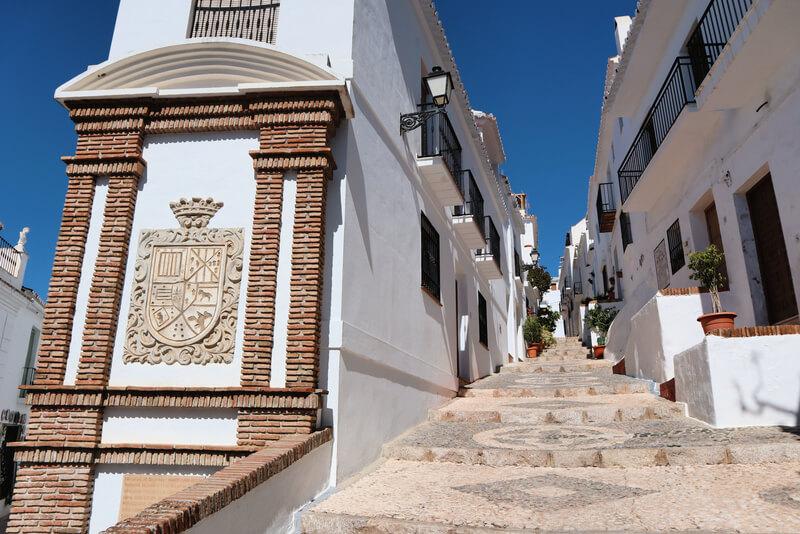 Escudo de la familia Montellano en calle Real, Axarquía