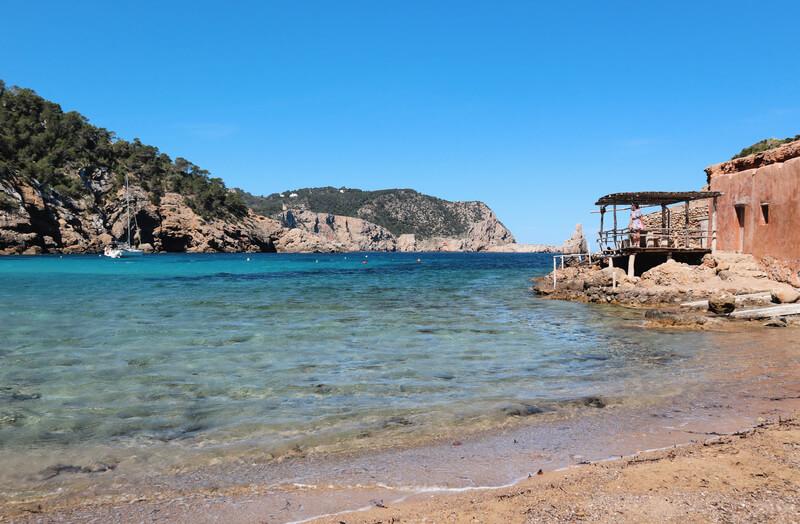 Playa de Benirrás una de las más bonitas de Ibiza