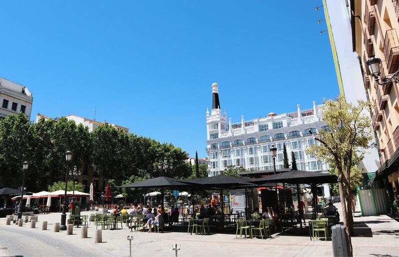 Plaza de Santa Ana, la principal del barrio de las Letras