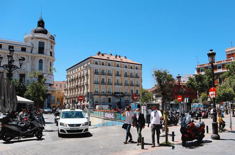 Ruta por el barrio de las Letras - Plaza Jacinto Benavente