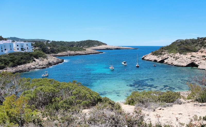 Alquilar un barco sin licencia en Ibiza