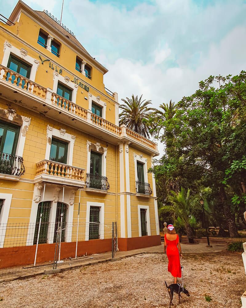 Qué hacer en El Campello dogfriendly: visitar los Jardines de Villa Marco