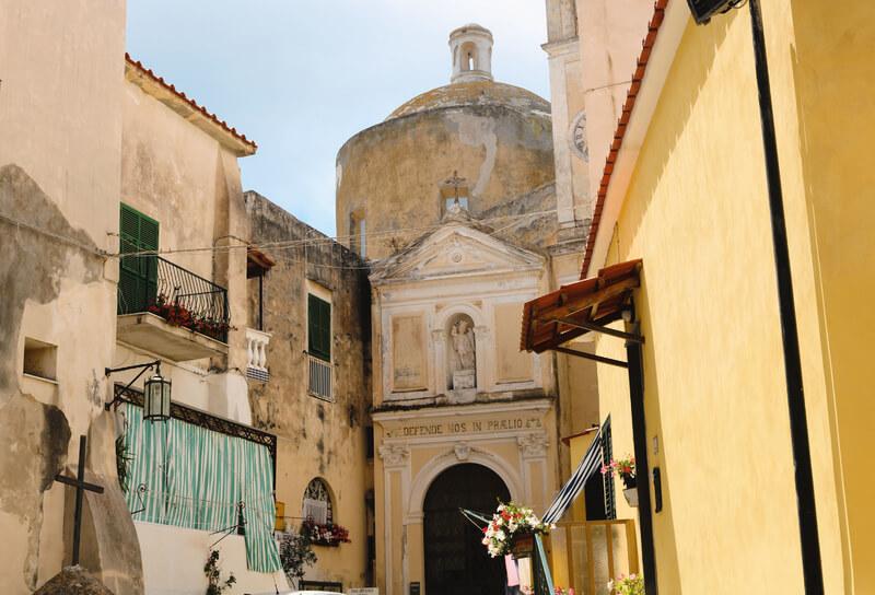 Abadía de San Miguel Arcángel, patrón de la isla