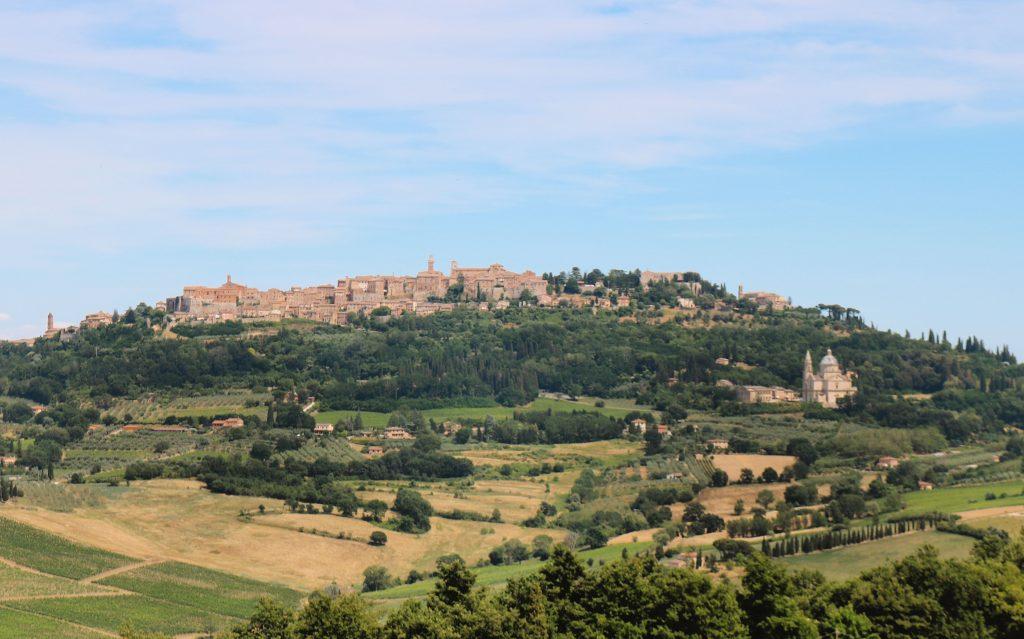 Panorámica de Montepulciano, uno de los pueblos con más turismo en Toscana