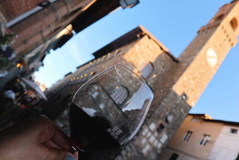 Tomarse un buen Brunello en Montalcino: qué hacer en Toscana - Pueblos más bonitos