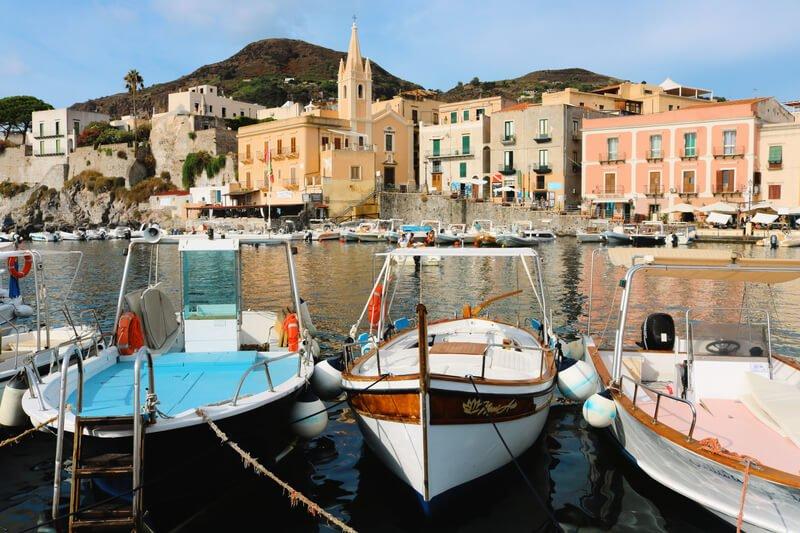 El puerto viejo de Lipari