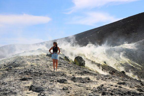 Vapores saliendo de Vulcano en las Islas Eolias